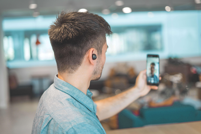 Nutzen Sie Skype oder Zoom für Ihre online Meetings