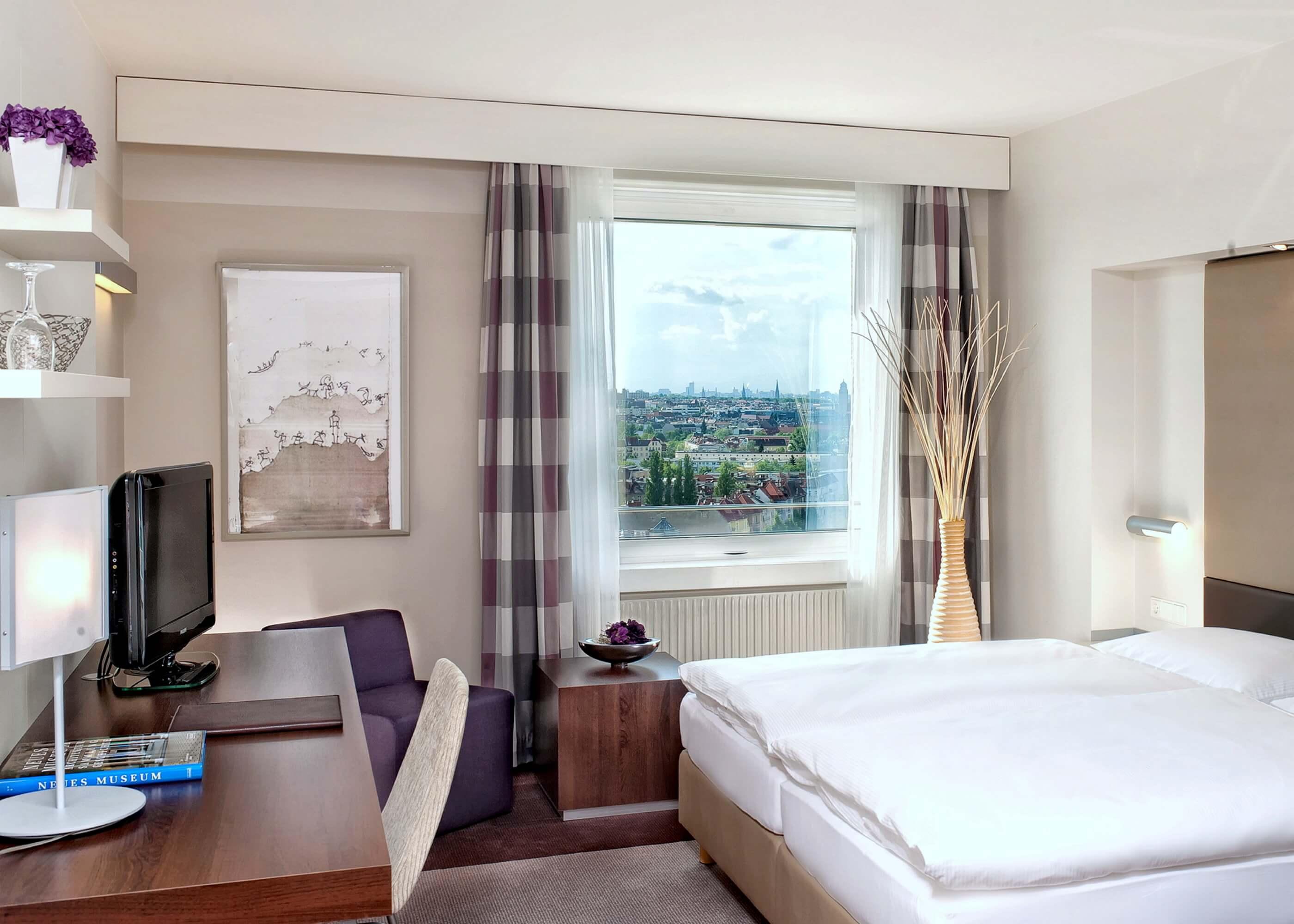 Estrel Hotel Berlin Standardzimmer